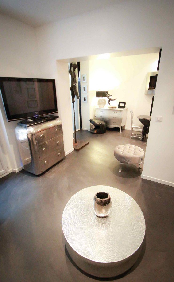 béton ciré spatulé noir appartement Décaum Paris 15