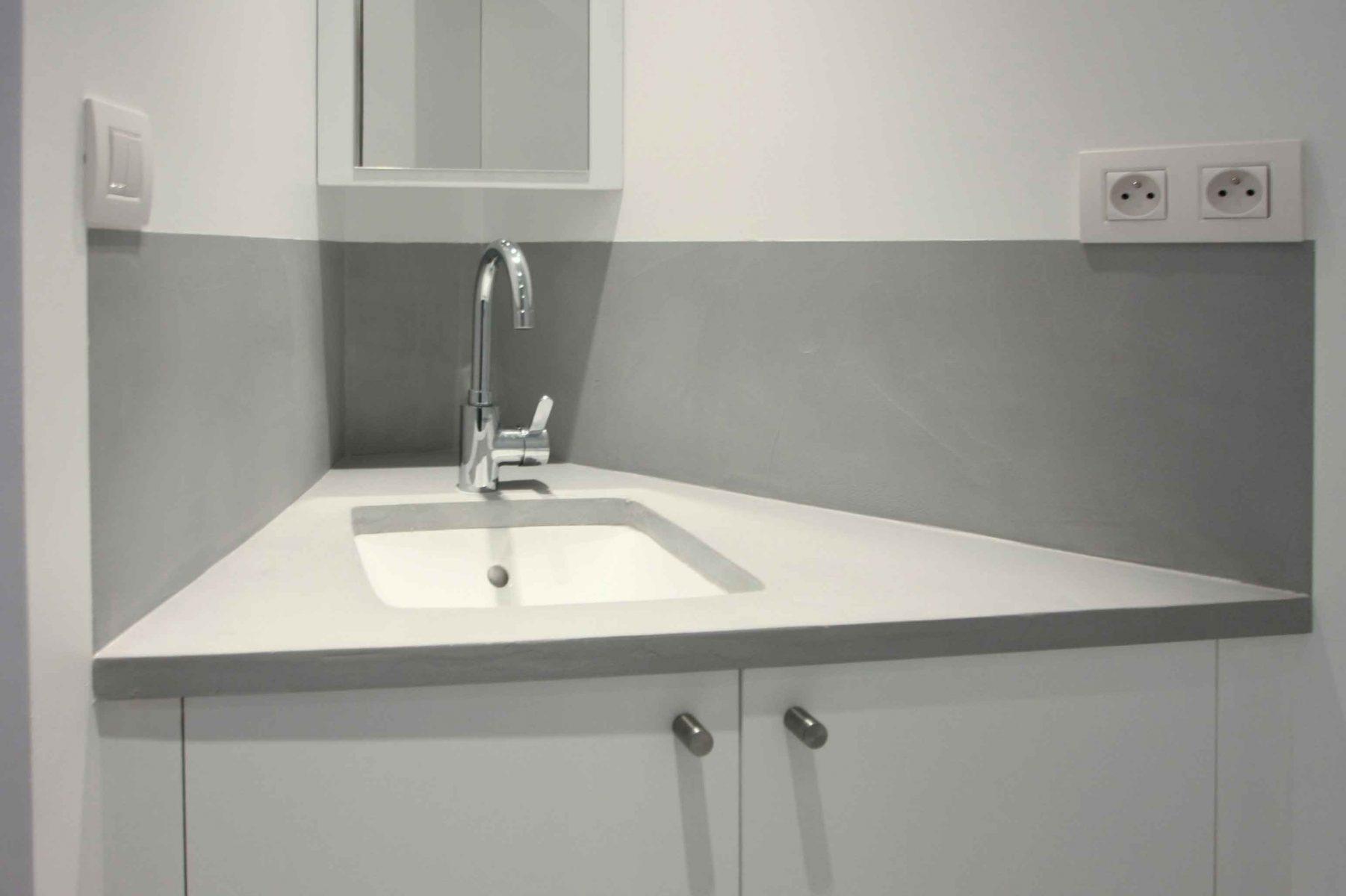 Plan vasque béton ciré spatulé appartement Décaum paris 2